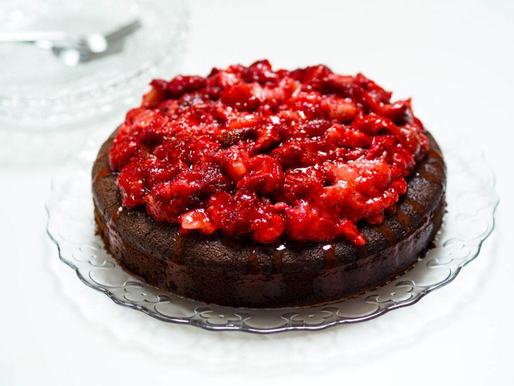 COOK – Super schnelle Schokoladentorte mit Erdbeeren