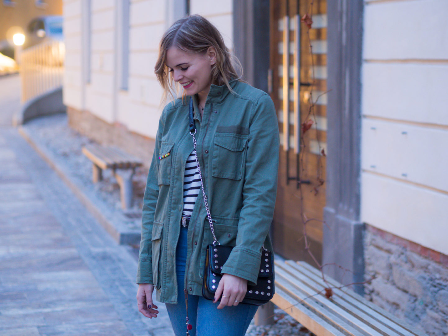 Outfit – Stripes, Parka und Ankle Jeans