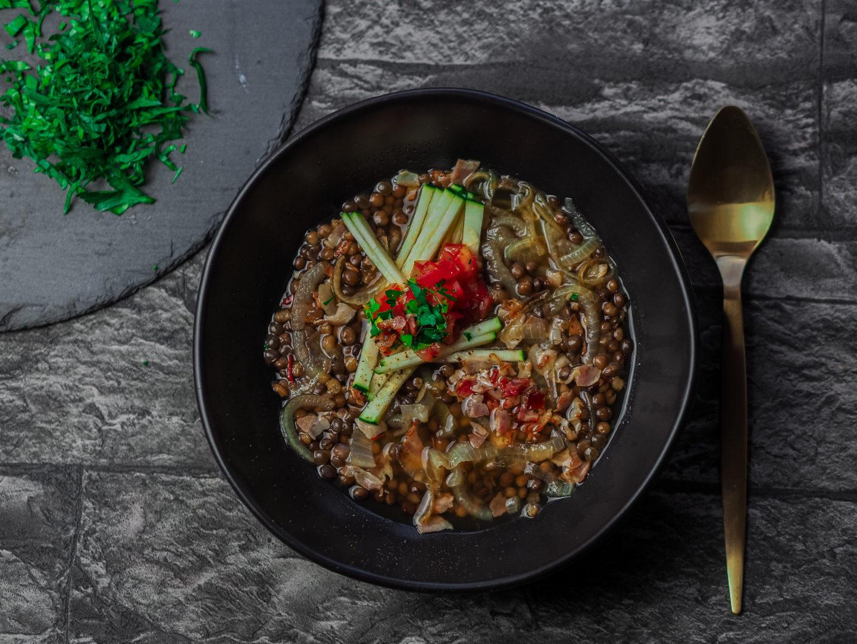Rezept | schnelle Linsensuppe mit Speck und Zucchini