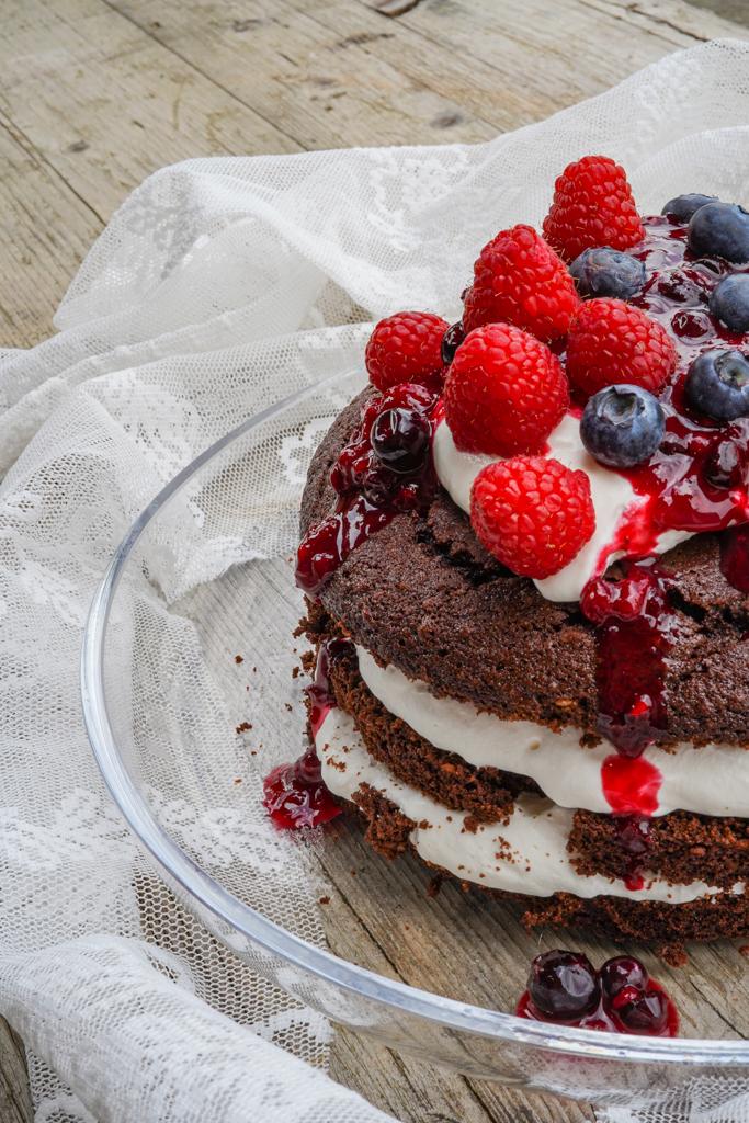 Rezept | Naked Cake mit Mascarponecreme und Beerenröster
